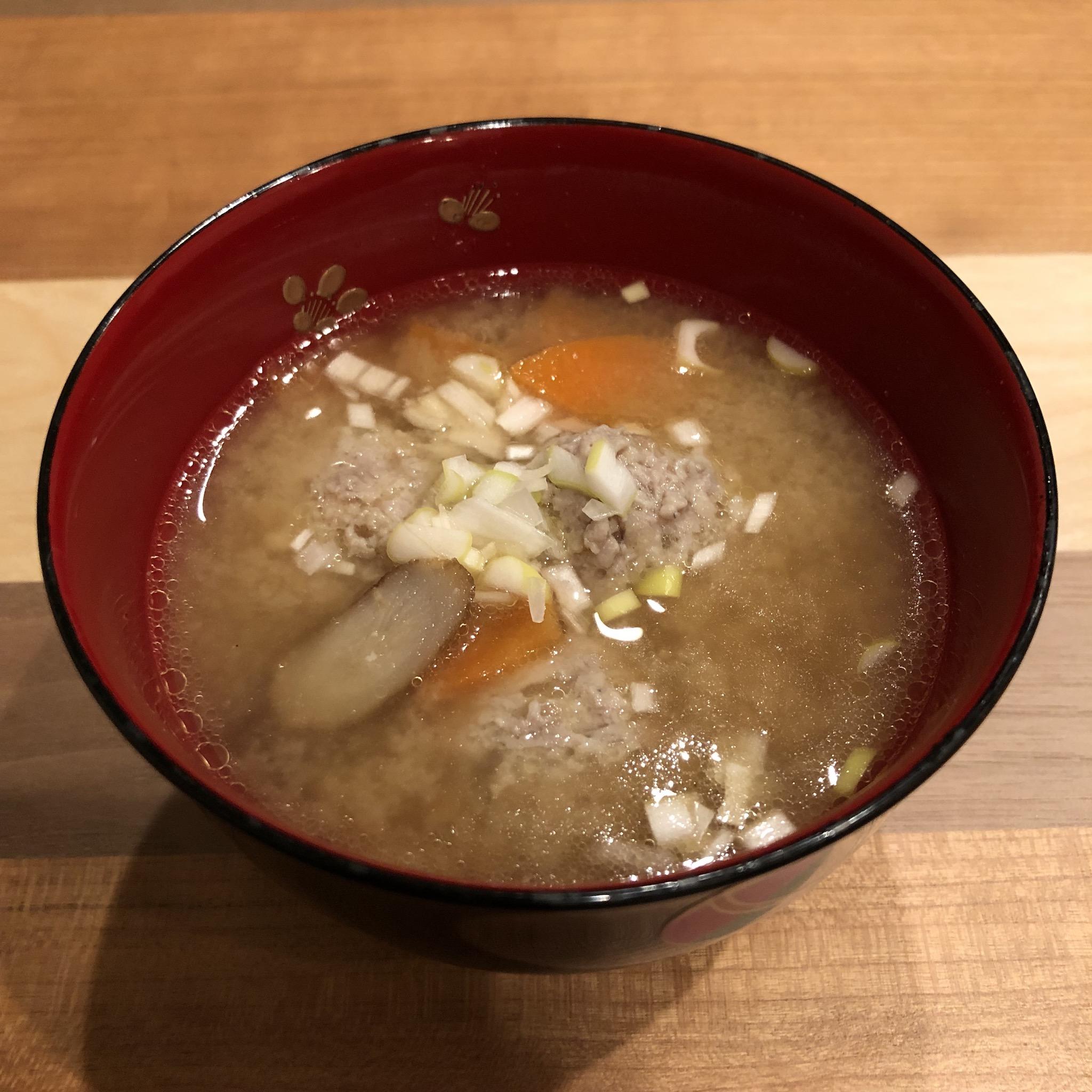HÜHNER-FLEISCHBÄLLCHEN mit Miso-Suppe