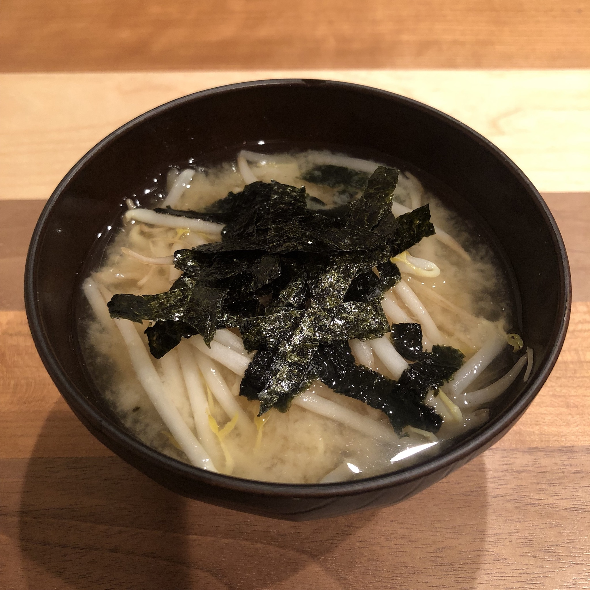BEAN SPROUTS & SEAWEED miso soup